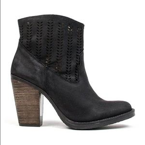 Coolway Avaly Black Suede Cutout Block Heel Boots
